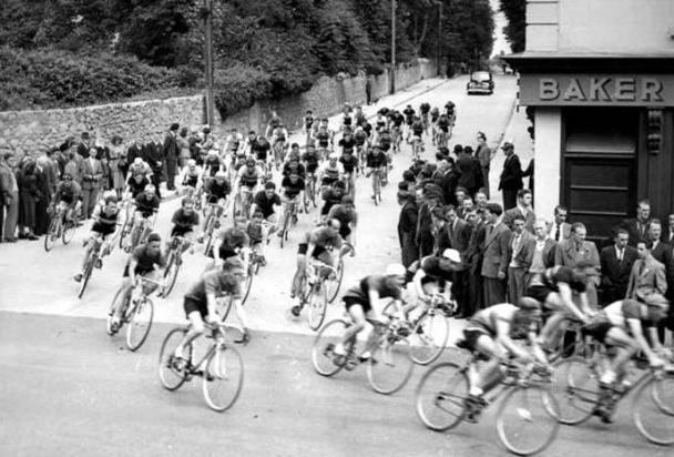 Cycle race, Baker's Corner, Deansgrange